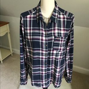🍂Hollister Navy Plaid Button Down Shirt Size L